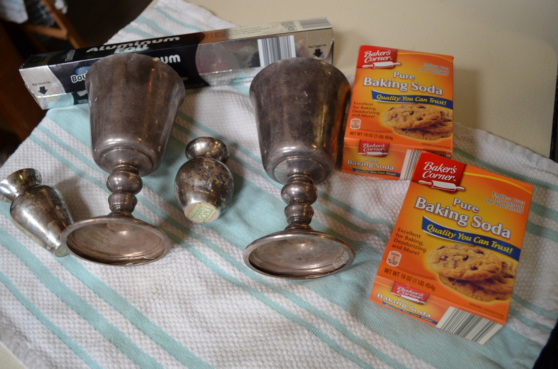 Review: Using the Baking Soda and Foil Method to clean Silver Plate